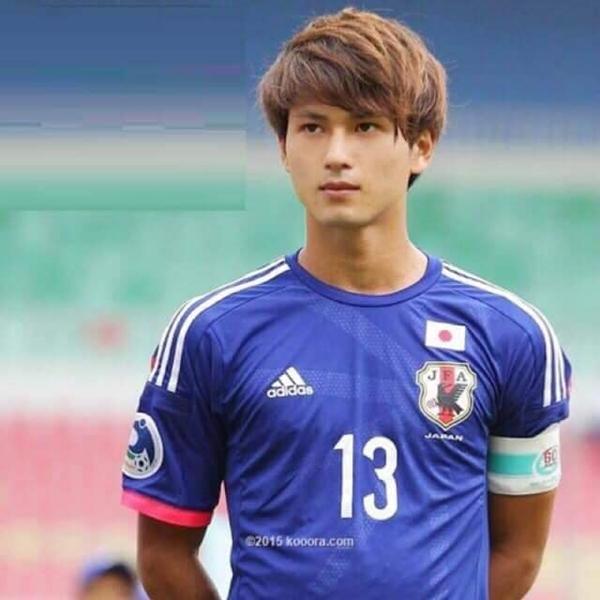 Takumi Minamino, sinh năm 1995, tại Osaka (Nhật Bản), cao 1,75m.