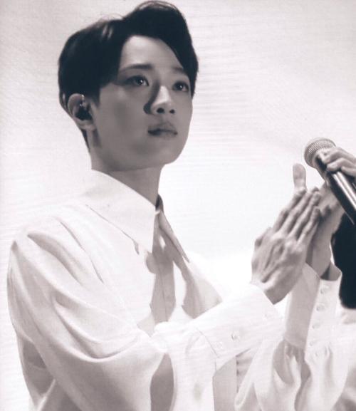 Lai Guan Lin ít khi thể hiện cảm xúc nhưng anh cũng rưng rưng nước mắt trong sân khấu 12h Star.