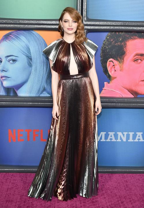 Mỹ nhân phim La La Land - nữ diễn viên Emma Stone - cũng từng diện chiếc váy đẹp mắt này lên thảm đỏ.