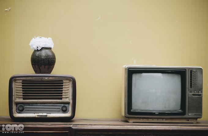 <p> Vào những năm 1990, những chiếc tivi JVC là niềm mơ ước của nhiều gia đình.</p>