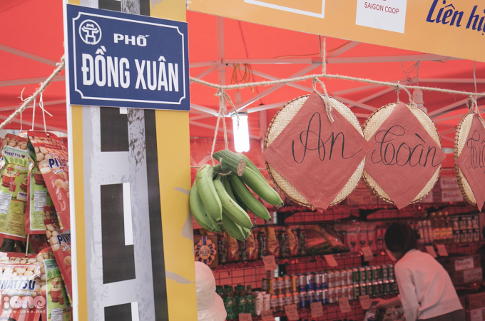 Phiên chợ Tết thời bao cấp ở Hà Nội