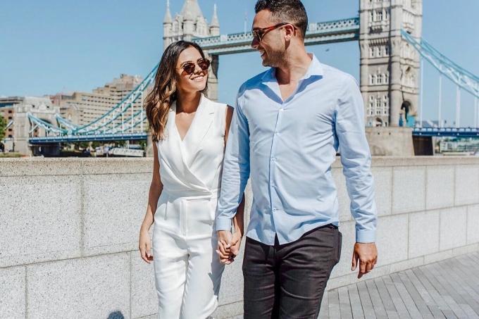 <p> Gallman cùng hôn phu tại cầu tháp Tower Bridge - biểu tượng của thủ đô London, Anh. Khung cảnh xa hoa, phong cách ăn mặc lịch thiệp trong từng khuôn hình của cặp đôi khiến nhiều người cảm thấy ghen tị.</p>