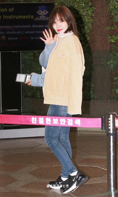Black Pink, Red Velvet sân bay - 2