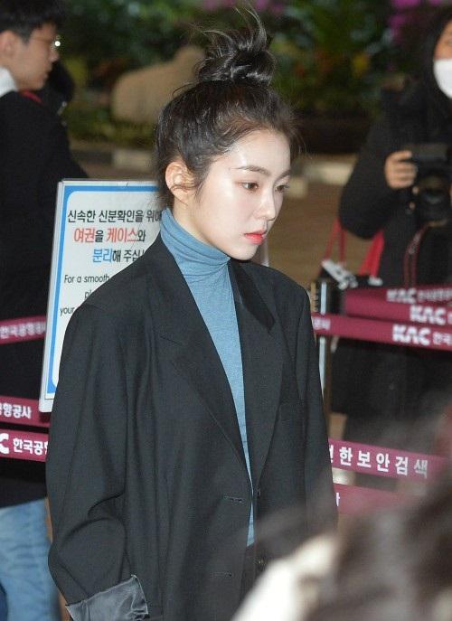 Ngày 28/1, Red Velvet có mặt tại sân bay Gimpo trên đường sang Nhật Bản. Như thường lệ, trong các thành viên, Irene là người thu hút sự chú ý nhất của ống kính báo chí