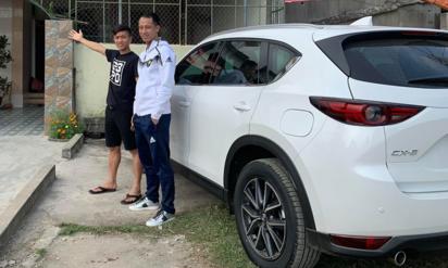 Phan Văn Đức mua ô tô tiền tỷ tặng mẹ trước Tết Nguyên đán - 1