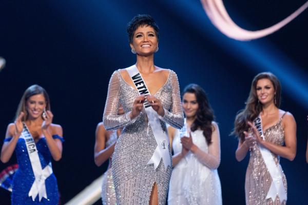 HHen Niê tại Miss Universe 2018.