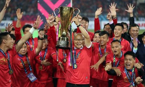 HLV Park mang chức vô địch bóng đá khu vực về cho người hâm mộ sau 10 năm chờ đợi.