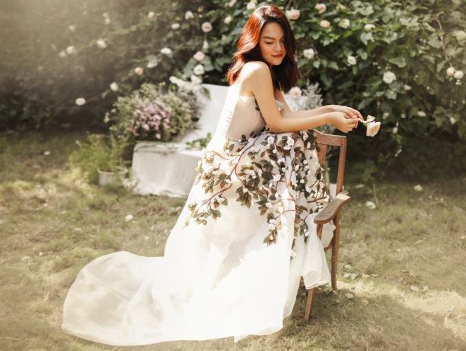 Rũ bỏ buồn bã sau ly hôn, Phạm Quỳnh Anh khoe vẻ rạng ngời