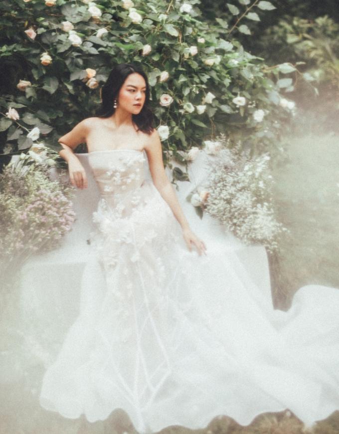<p> 2019, Phạm Quỳnh Anh cho biết sẽ mang đến một hình ảnh mới với màu sắc âm nhạc tích cực, lạc quan.</p>
