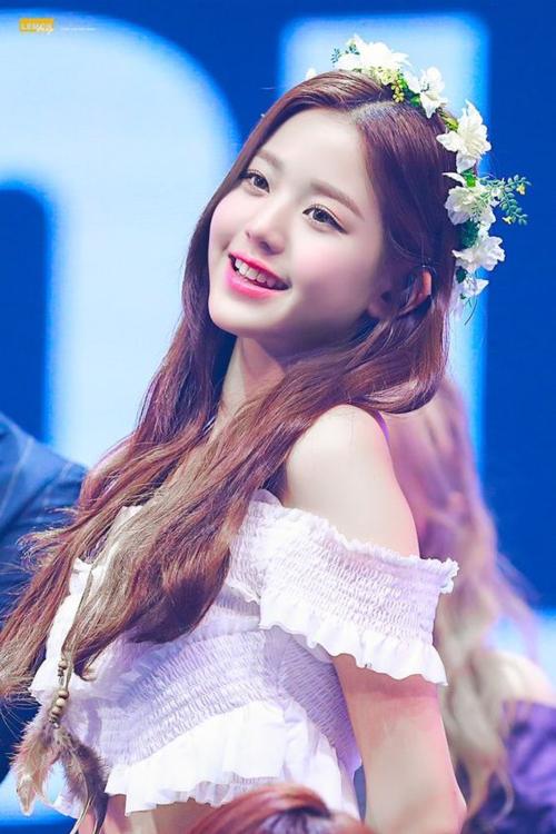 Yoon Ah gây bất ngờ khi vào BXH những nữ idol xinh đẹp nhất - 3