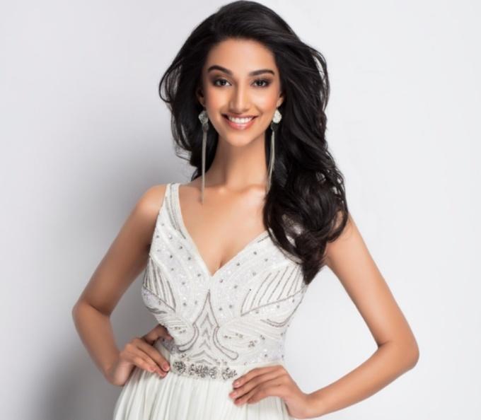<p> Hoa hậu Ấn Độ - Meenakshi Chaudhary - giành ngôi vị Á hậu 1 Hoa hậu Hòa bình Quốc tế 2018.Người đẹp 21 tuổi, cao 1,73 m.</p>