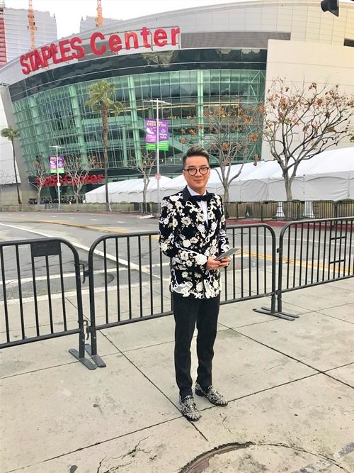 8 giờ sáng ngày 11/1 (giờ Hà Nội), Lễ trao giải Grammy 2019 diễn ra tại Staples Center, Los Angeles. Xuất hiện trên thảm đỏ là dàn sao đình đám thế giới. Gây bất ngờ, Đàm Vĩnh Hưng cũng xuất hiện ở khu vực thảm đỏ. Thông tin này được ông hoàng nhạc Việt giấu kín trước đó.