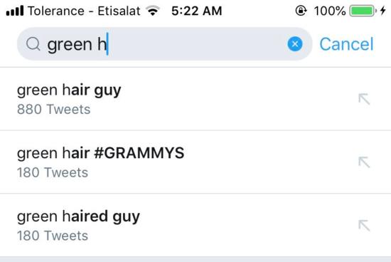 Cư dân mạng truy lùng danh tính chàng trai tóc xanh tại Grammy 2019.
