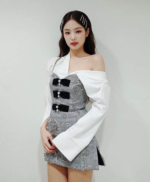 Nhìn phong cách Chi Pu bây giờ cứ ngỡ chị em thất lạc của Jennie - 3