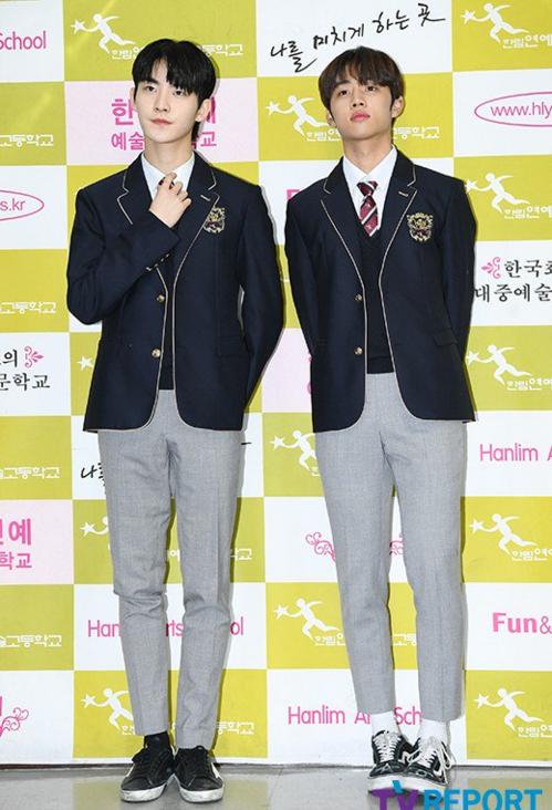 Hwall và Sun Woo nhóm The Boyz.