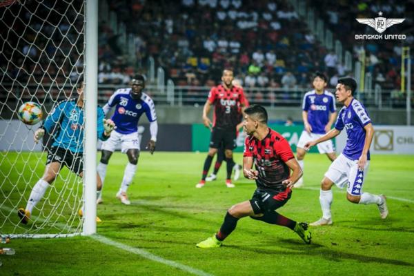 Bangkok United đã để thua Hà Nội FC ở phút cuối.