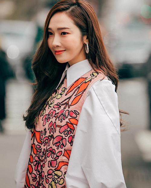 Jessica mặc đẹp miễn chê nhưng gương mặt lạ lẫm khó hiểu - 4