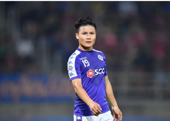 Quang Hải bị chê thi đấu nhạt nhòa.