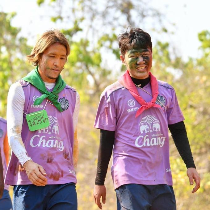 """<p> Sau khi nhà đương kim vô địch Thai League Buriram United công bố bản hợp đồng mới, tiền vệ người Tuyên Quang đã có<a href=""""https://ione.net/tin-tuc/nhip-song/hong/xuan-truong-vuot-qua-buoi-kiem-tra-y-te-chuan-bi-gia-nhap-buriram-united-3879280.html?ctr=related_news_click""""> buổi tập </a>đầu tiên ở Thái Lan.</p>"""