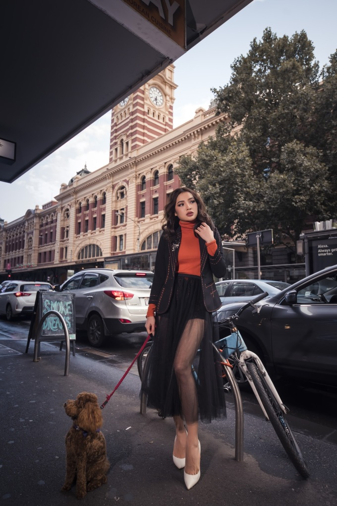 <p> Dịp Lễ Tình nhân 14/2, trong khi nhiều sao Việt khác đua nhau công khai tình cảm, đính hôn thì Phương Trinh Jolie chọn cách đi du lịch ở Melbourne, Australia. Cô diện những trang phục trẻ trung, phóng khoáng khoe vẻ đẹp ngày một mặn mà.</p>