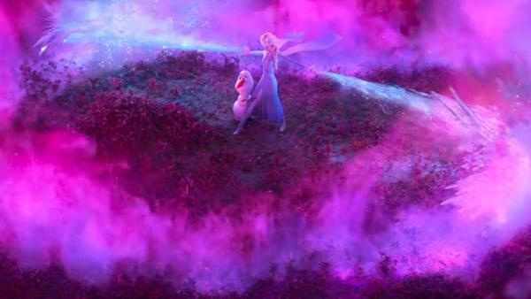Màn tung phép ảo diệu ấn tượng từ nữ hoàng băng giá Elsa.