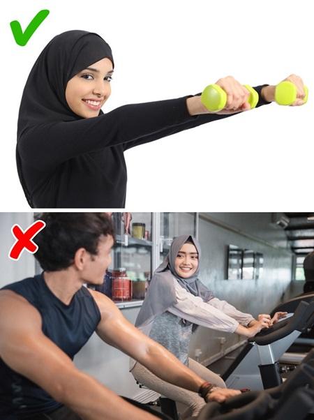 Con gái Ả Rập khổ sở với những quy tắc hà khắc - 10