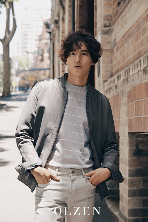 Won Bin khiến netizen nín thở trước bộ ảnh mới.