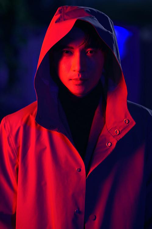 Cùng với đó, S.T Sơn Thạch sẽ trở lại với âm nhạc bằng MV Thật xa thật gần. Teaser của sản phẩm vừa được hé lộ được nhận xét như một bộ phim kinh dị. Khung cảnh ST vặn vẹo cả cơ thể trong tiếng xương khớp kêu quái dị làm cho các fan đang liên tưởng 1 cảnh trong phim zoombie.