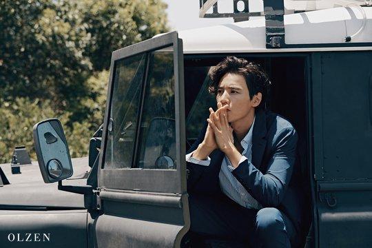 Vẻ đẹp lãng tử của Won Bin khiến khối fan xin chết.