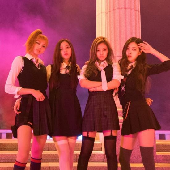 Tại thời kỳ quảng bá As if its your last năm 2017, Black Pink thường xuyên gắn bó với phong cách nữ sinh.
