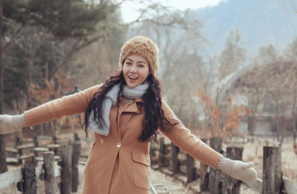 30 năm tuổi đời, Thanh Hương đã có hơn 10 năm tuổi nghề. Năm 2017, côbắt đầu được chú ý với vai Phan Hương - con gái Phan Quân trong series truyền hìnhNgười phán xử. Sau đó, cô tiếp tục giành thiện cảm của khán giả bằng vai Nương trongThương nhớ ở ai. Chuỗi thành công của Thanh Hương được nối tiếp bằng vai Lan Cave trongQuỳnh búp bêdo NSƯT Mai Hồng Phong làm đạo diễn, phát sóng vào năm 2018.