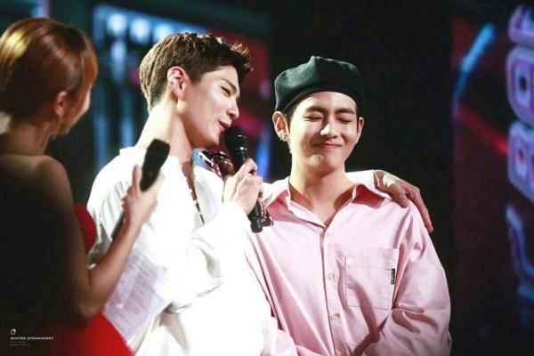 Người hâm mộ hi vọng tình bạn đẹp của V và Park Bo Gum sẽ luôn bền vững.