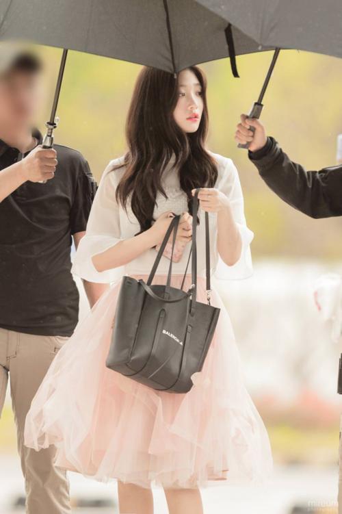 Khoảnh khắc Jung Chae Yeon (DIA) xinh đẹp, sang chảnh