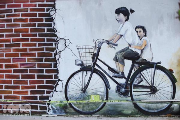 Phiên bản lỗi của bức tranh tường nổi tiếng Penang khiến người xem không nhịn được cười - 1