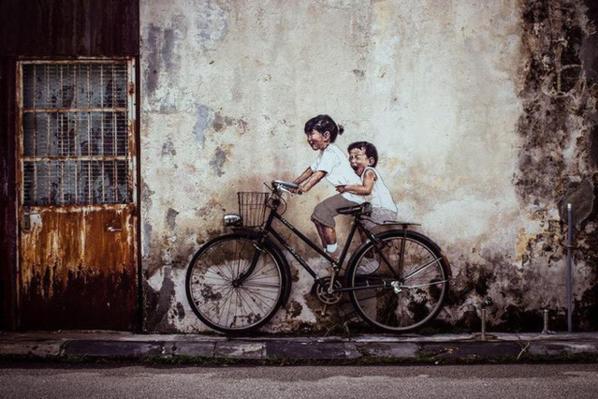 Phiên bản lỗi của bức tranh tường nổi tiếng Penang khiến người xem không nhịn được cười