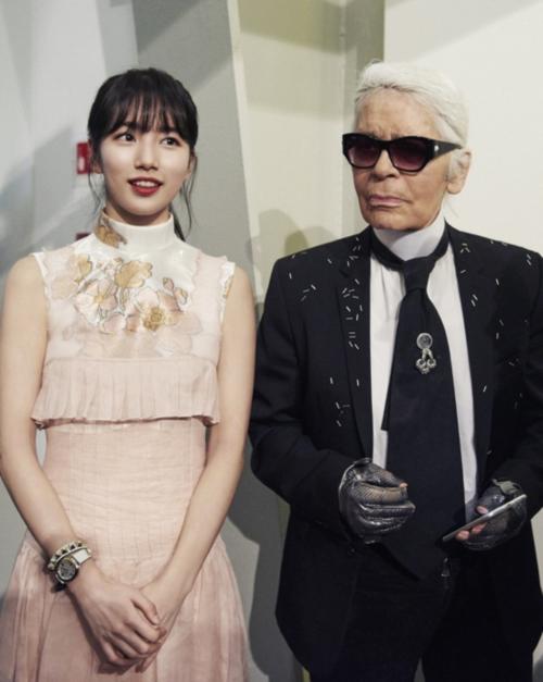 Những sao Hàn từng được chụp hình cùng ông trùm tóc bạc Karl Lagerfeld - 1