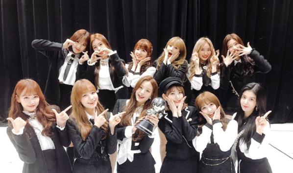 Ngày 8/11/2018, chỉ sau 10 ngày debut, IZONE đã giành chiến thắng với ca khúc La Vie en Rose trước Monsta X trên chương trình âm nhạc M!Countdown.