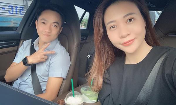 Vợ chồng Cường Đô la - Đàm Thu Trang khoe ảnh đi chơi hạnh phúc.