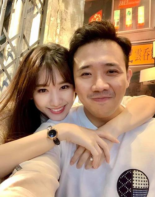 Vợ chồng Hari Won - Trấn Thành luôn hạnh phúc đáng ghen tỵ.