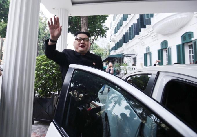 <p> Howard X là người Australia gốc Hong Kong. Anh bắt đầu làm nghề đóng giả Chủ tịch Triều Tiên Kim Jong-un từ 2012.</p>