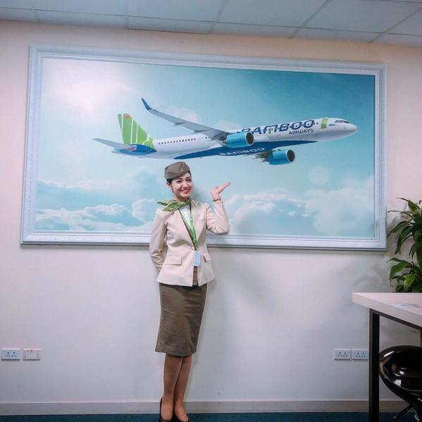 Cặp trai tài gái sắc ngành hàng không bị truy tìm vì quá nổi bật - 4
