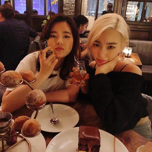 Sunny khoe ảnh hội ngộ Tiffany ở Mỹ.