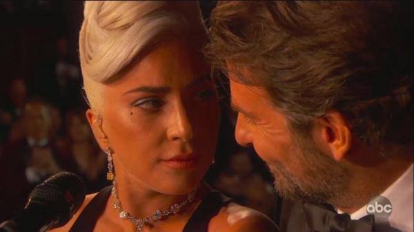 Dân mạng sửng sốt trước chemistry tung tóe của Lady Gaga - Bradley Cooper tại Oscar 2019