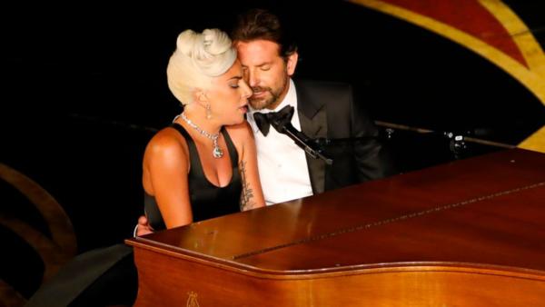 Chemistry tung tóe của Lady Gaga - Bradley Cooper tại Oscar 2019 khiến fan náo loạn - 1