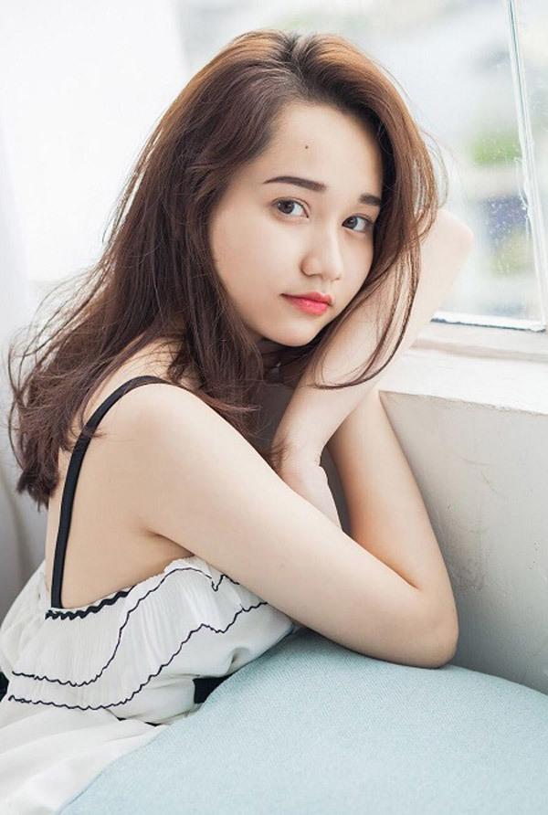 <p> Fan điện ảnh Việt nóng lòng chờ đợi sự thể hiện của một gương mặt mới như Trúc Anh trong <em>Mắt Biếc.</em></p>
