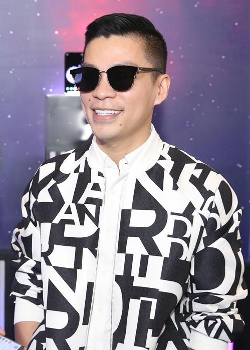 Đông Nhi gia nhập hội mỹ nhân tóc ngắn, cực tình bên Ông Cao Thắng - 6