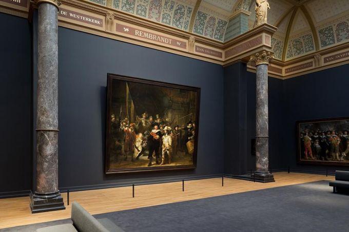 <p> <strong>Amsterdam, Hà Lan</strong></p> <p> Hà Lan là đất nước có nền mỹ thuật phát triển. Tại Amsterdam không thiếu những triển lãm và sự kiện nghệ thuật ấn tượng dành cho những du khách yêu mỹ thuật.</p>