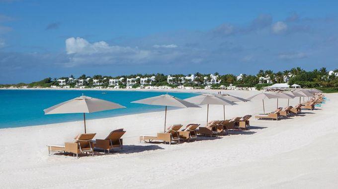 <p> <strong>Đảo Anguilla</strong></p> <p> Dịch vụ phục vụ du khách ngày một hoàn thiện là điểm cộng giúp đảo Anguilla trở thành điểm đến khó chối từ.</p>