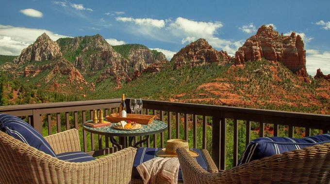 <p> <strong>Hẻm núi lớn Grand Canyon, Mỹ</strong></p> <p> Địa danh này làđiểm đến hàng đầu tại Mỹ dành cho những du khách ưa thám hiểm, khám phá. Công viên quốc gia ở nơi đây cũng đang có rất nhiều hoạt động văn hóa, triển lãm hấp dẫn.</p>