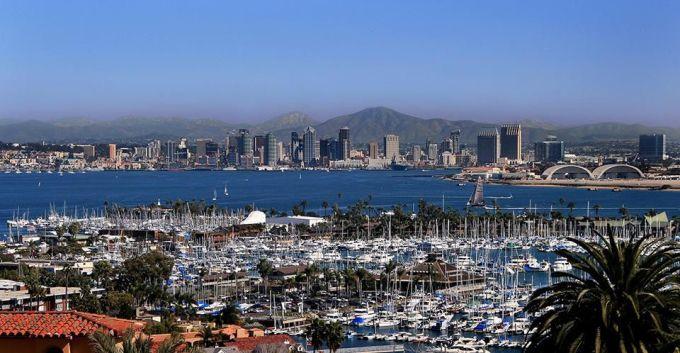 <p> <strong>San Diego, California, Mỹ</strong></p> <p> San Diego là điểm đến cho những người yêu lướt sóng. Nơi đây còn là thành phố của ẩm thực với nhiều nhà hàng nổi tiếng đã được biết đến từ lâu.</p>